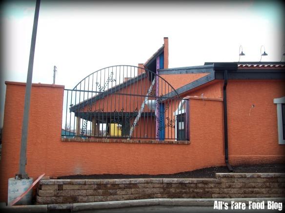 El Beso construction photo - patio area.