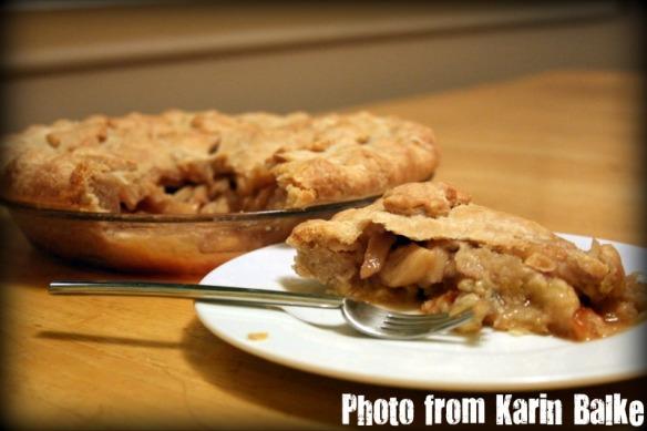 Apple pie - sliced.
