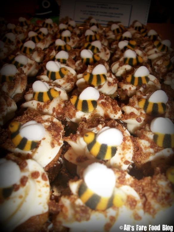 Cupcake bees