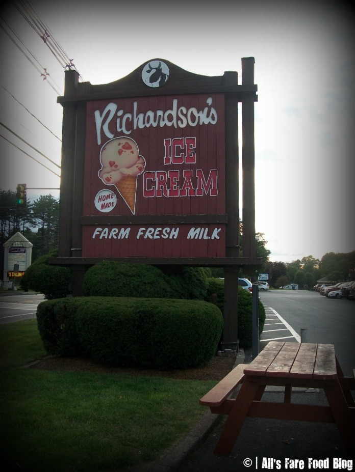 Richardson's sign in Middleton, MA