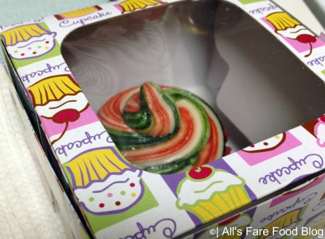 Cupcake box for a single cupcake