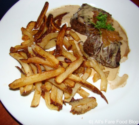 Beef medallions with pomme frites