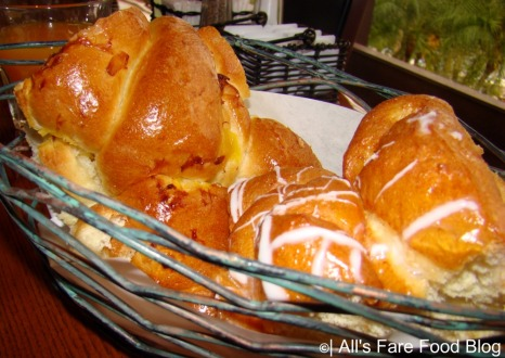 Sweet bread basket at 'Ohana