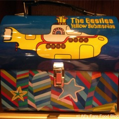 Yellow Submarine metal lunchbox
