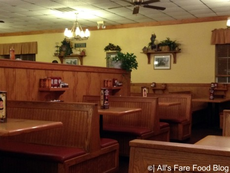 Dining room at Sonny's Barbecue