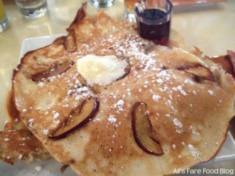 Apple pancake at Sweet Clove