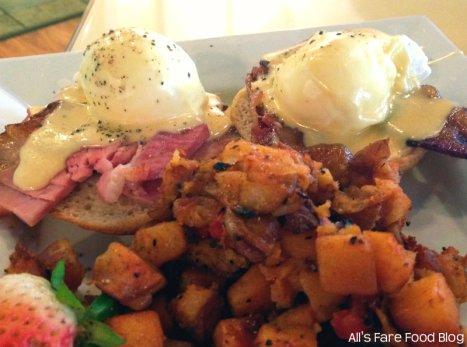 Eggs benedict at Sweet Clove